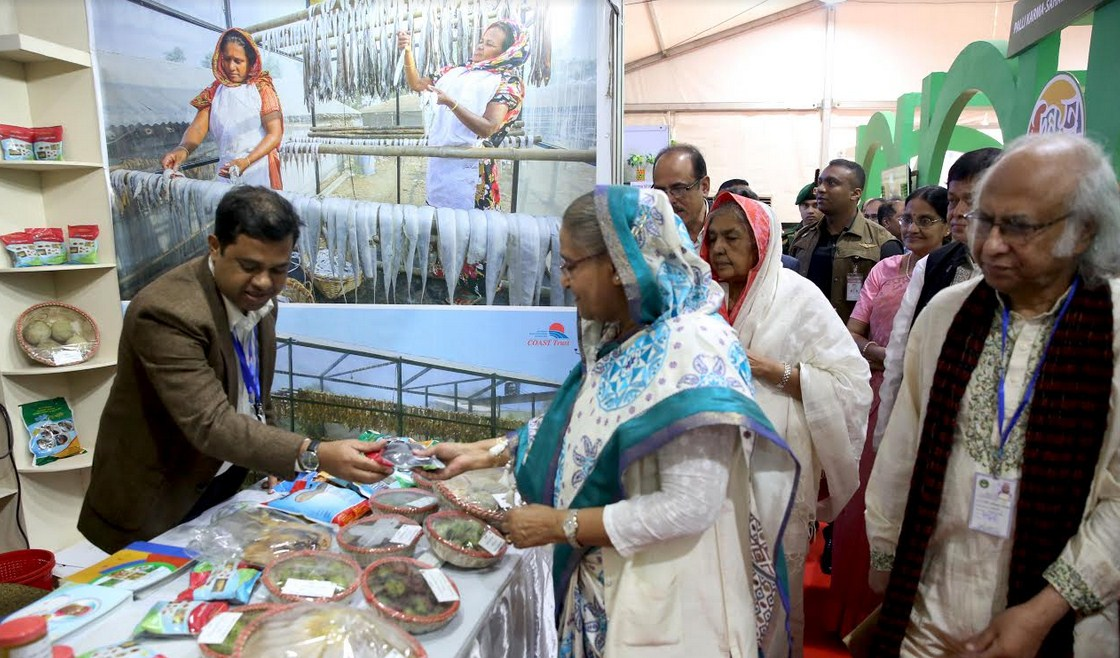 COAST Stall in the PKSF Development Fair Visited by the Prime Minister: Prime Minister Sheikh Hasina assured Support to COAST Endeavor to Promote Seaweeds and Pesticides Free Dry Fish Production in Cox's Bazar